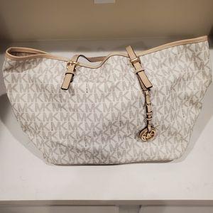 Micheal Kors white purse